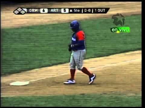 Cuban ball player Alfredo Despaigne with the slowest home run trot imaginable