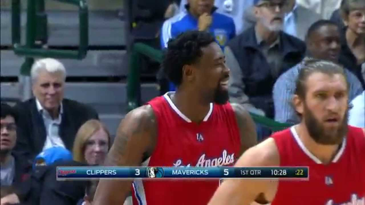 DeAndre Jordan knocks in first career 3-pointer off broken play