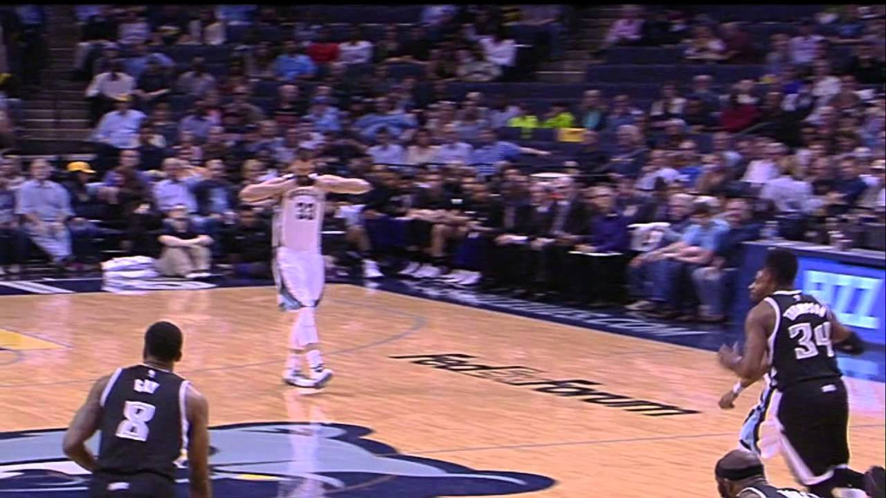 Marc Gasol tears his jersey in his best Hulk Hogan impression