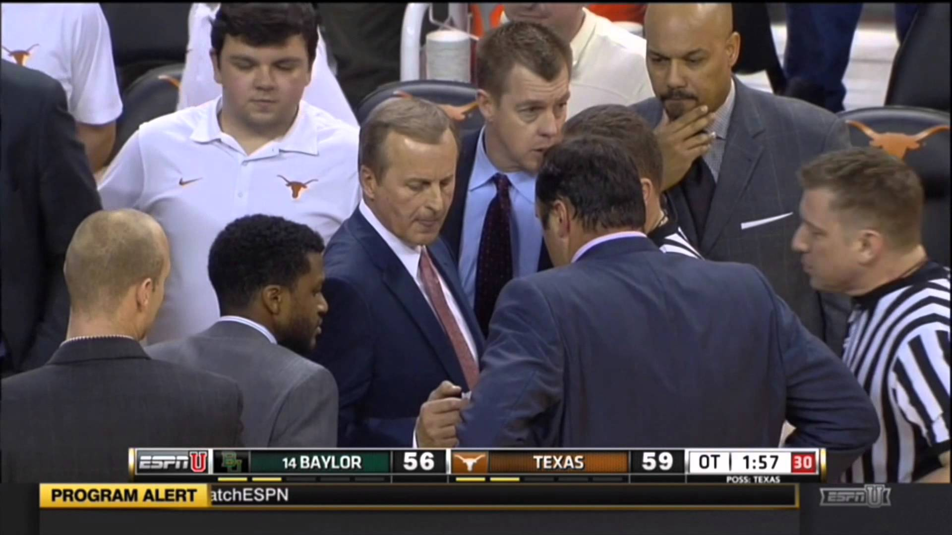 Scrum breaks out in Texas vs. Baylor game