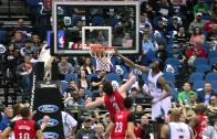 Andrew Wiggins throws down a monstrous poster slam yet again