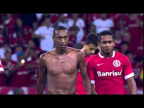 Brazillian soccer player flips the bird to his own fans & loses it