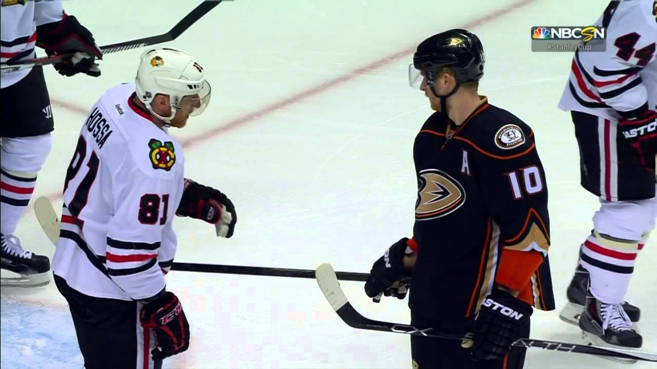 Corey Perry bullies Marian Hossa with stick shenanigans