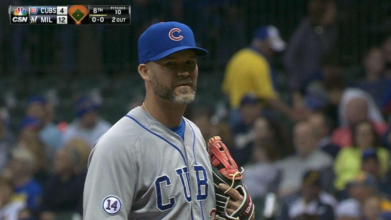Cubs backup catcher David Ross tosses 1-2-3 inning