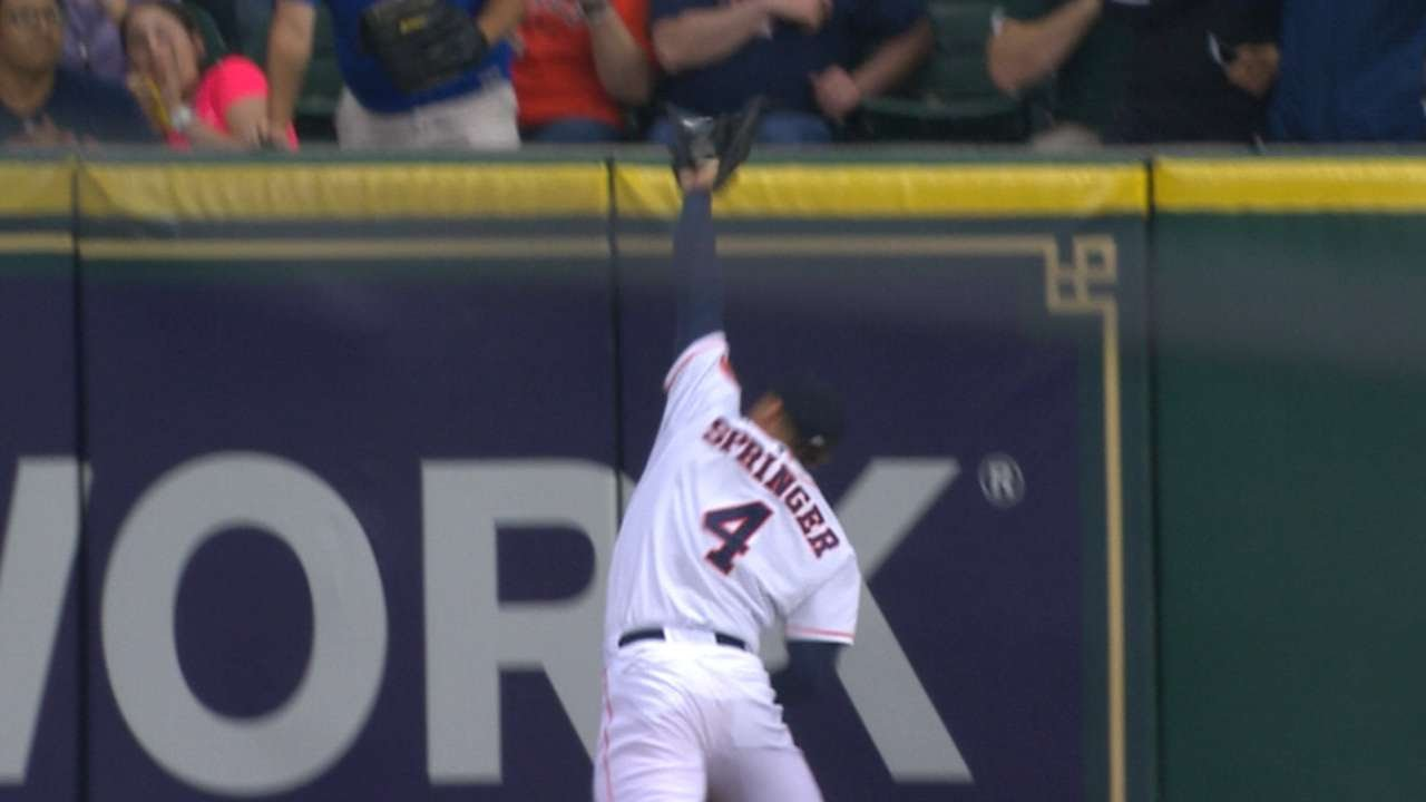 George Springer makes fantastic catch & slams into the wall