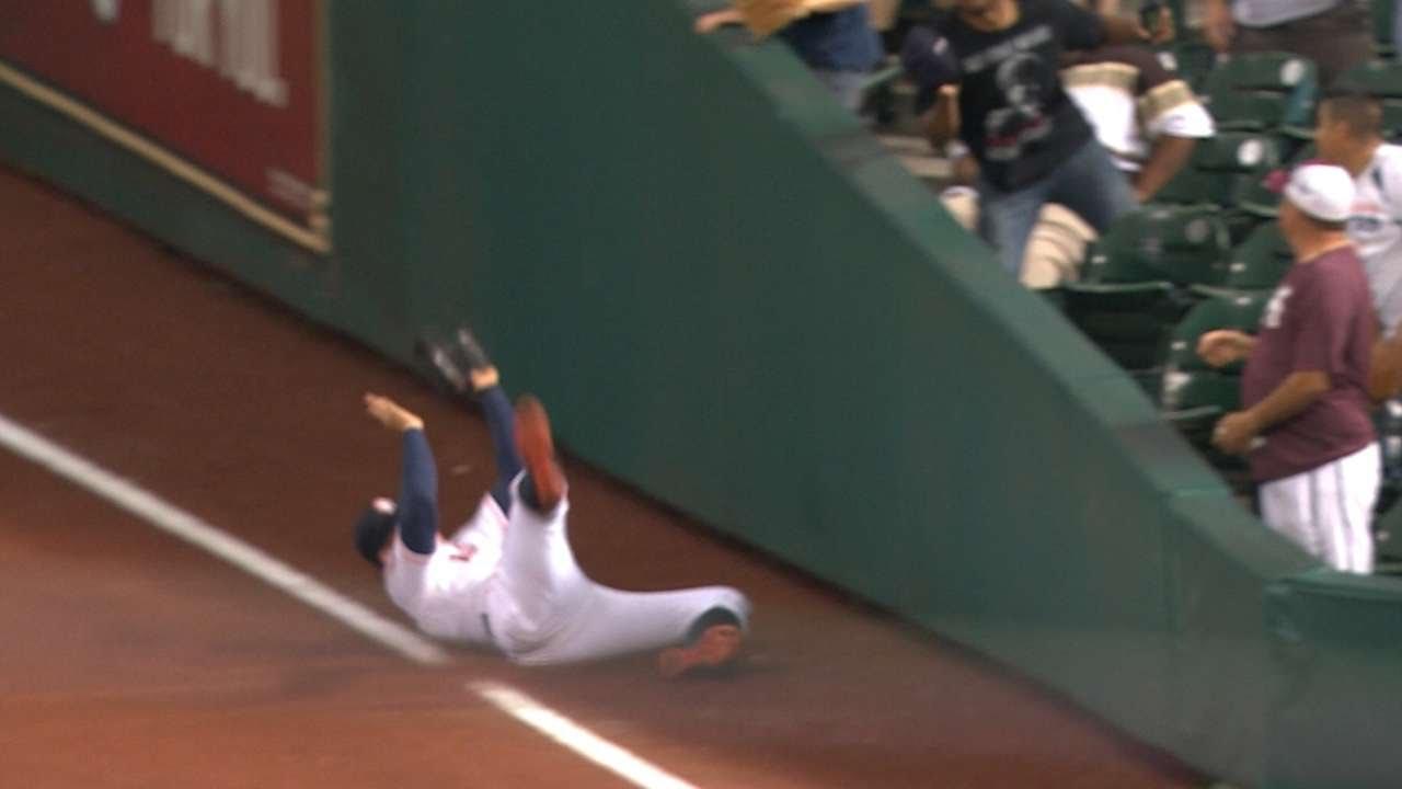 George Springer makes phenomenal sliding catch