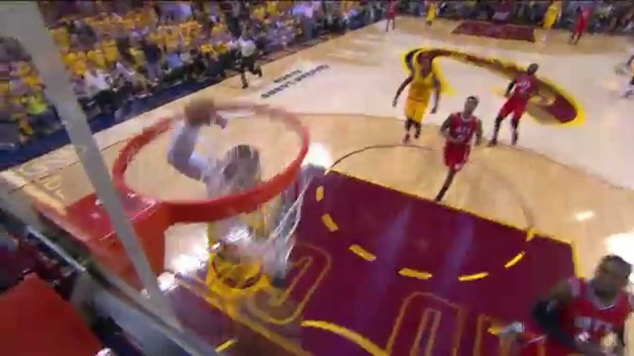 LeBron James throws down the thunderous slam