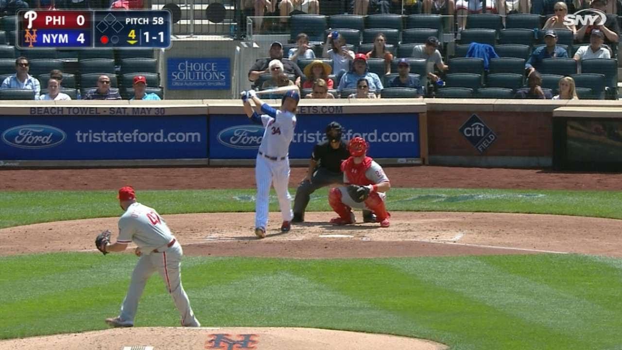 Mets rookie pitcher Noah Syndergaard belts first big league home run