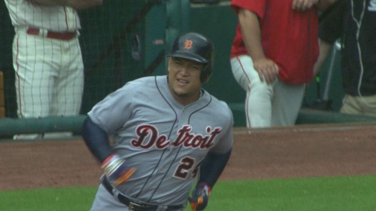 Miguel Cabrera crushes career home run number 400