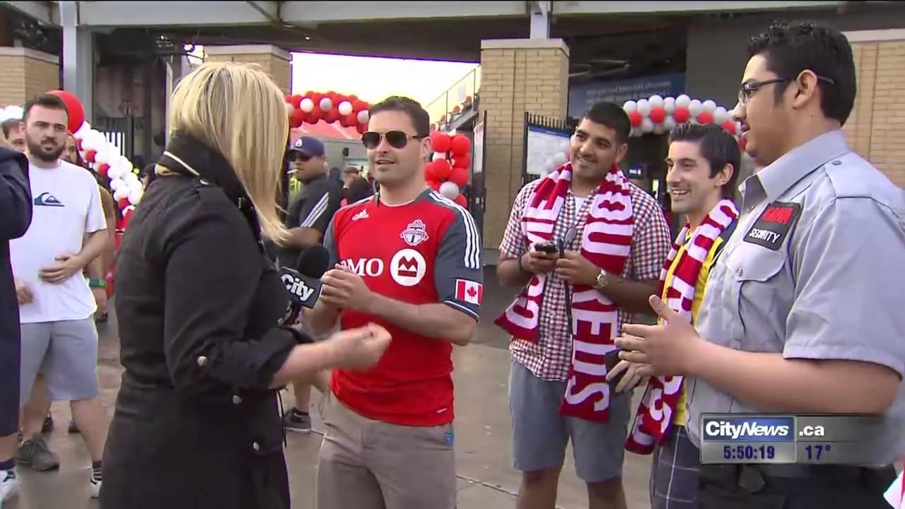 Reporter confronts Toronto FC fans who said FHRITP