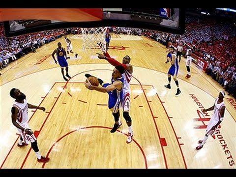 Steph Curry boxes out Dwight Howard for the offensive rebound
