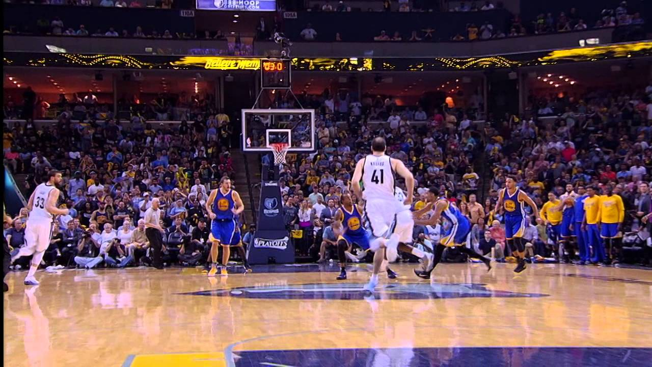 Steph Curry drills the Hail Mary buzzer beater