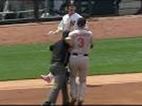 Umpire punches Ryan Flaherty during out call