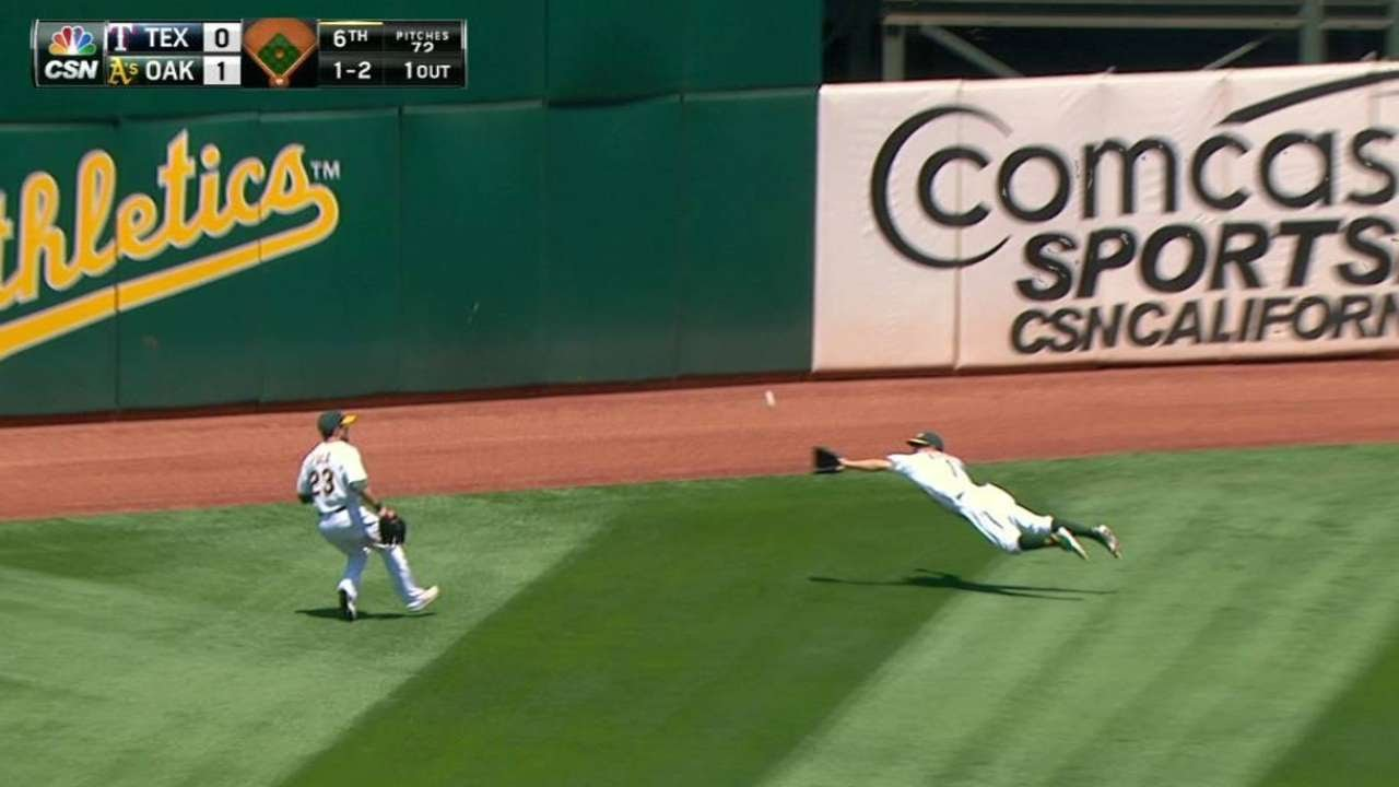 Billy Burns makes an outstanding diving catch