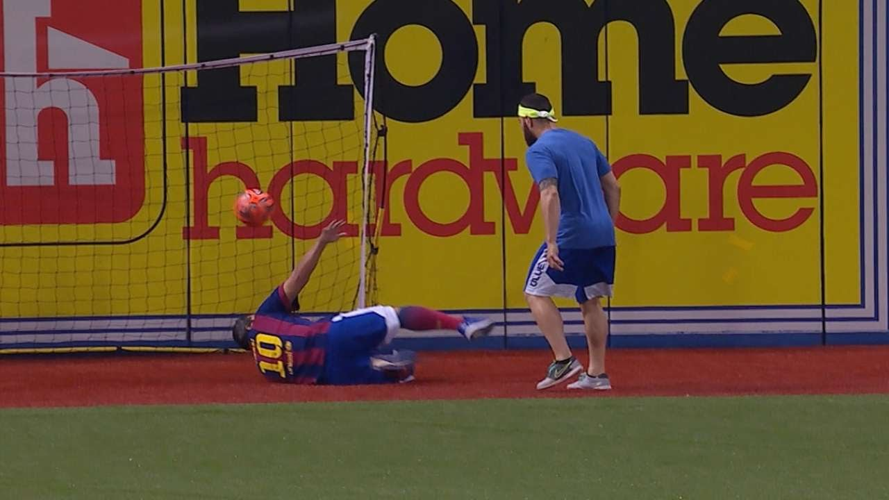 Blue Jays show off soccer skills before game
