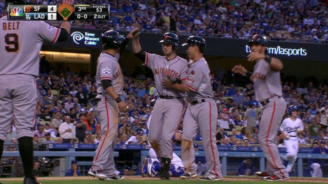 Buster Posey smacks a grand slam to left field in the 3rd