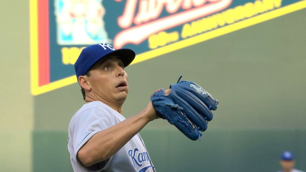 Jason Vargas gets two baseballs thrown back to him
