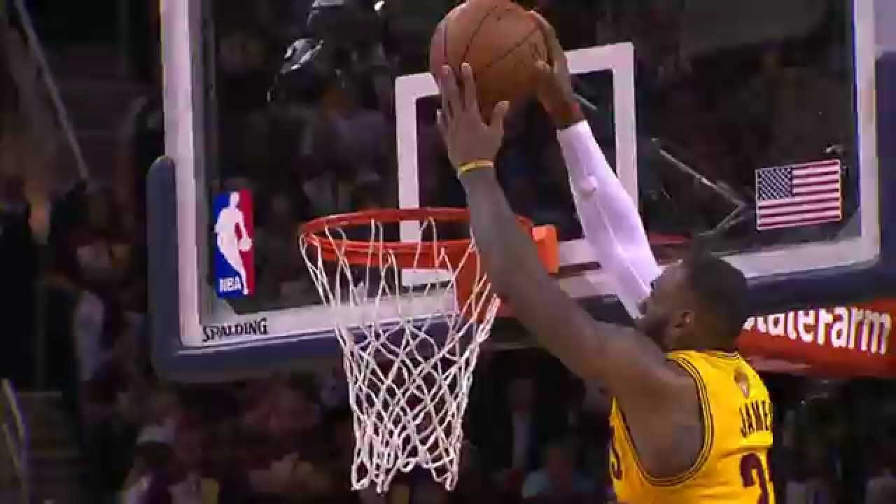 LeBron James throws down the monstrous alley-oop from Dellavedova