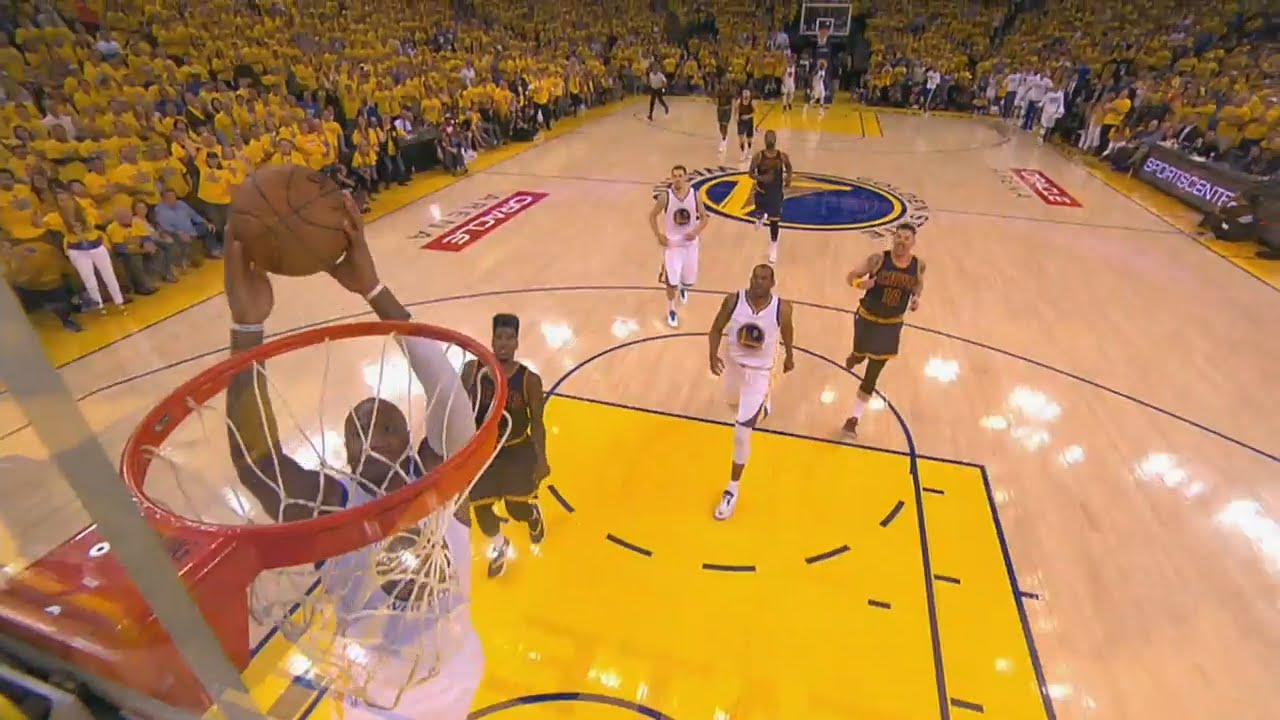 Marreese Speights blows the wide open dunk
