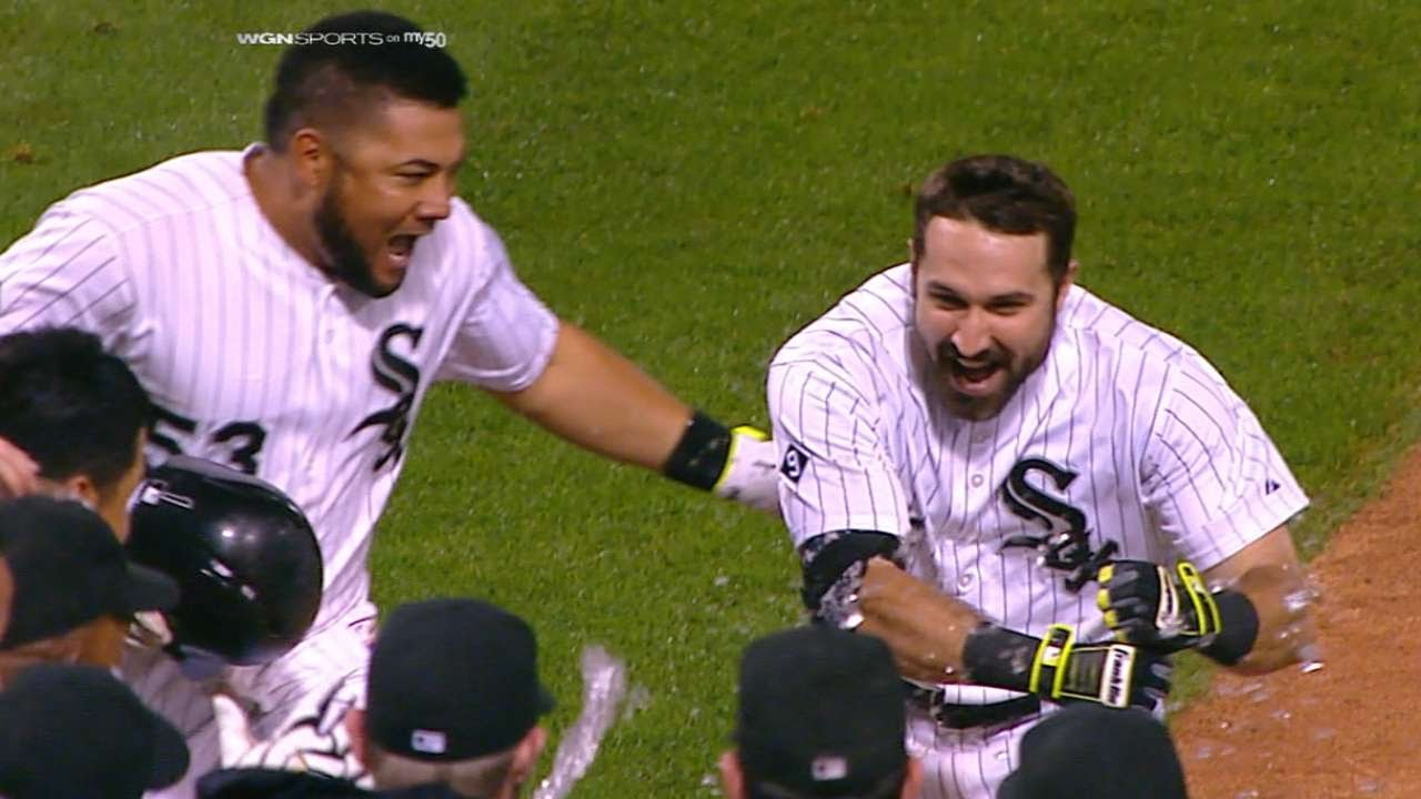 Adam Eaton drills a walk-off shot in the 11th