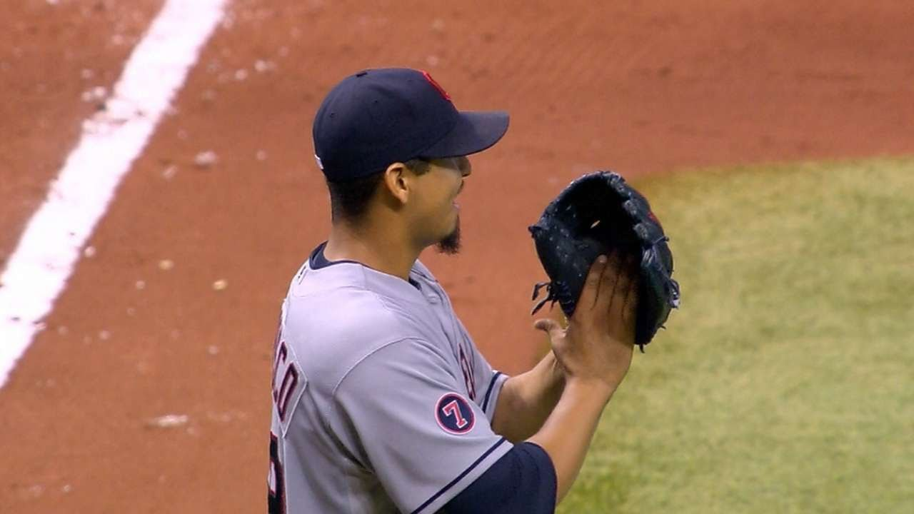 Carlos Carrasco loses no-hitter with 2 outs in the 9th inning