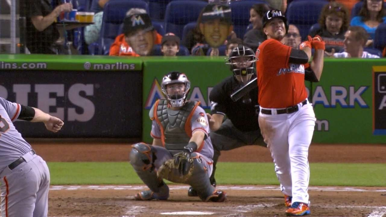 Jose Fernandez crushes a solo shot in 2015 debut