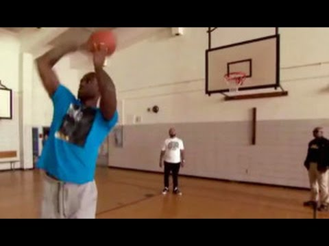 LeBron James hits a backwards free throw with ease