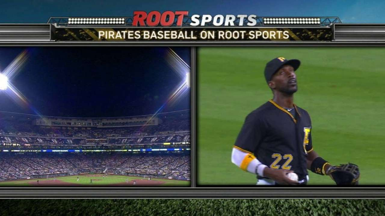 Andrew McCutchen makes catch as lightning strikes