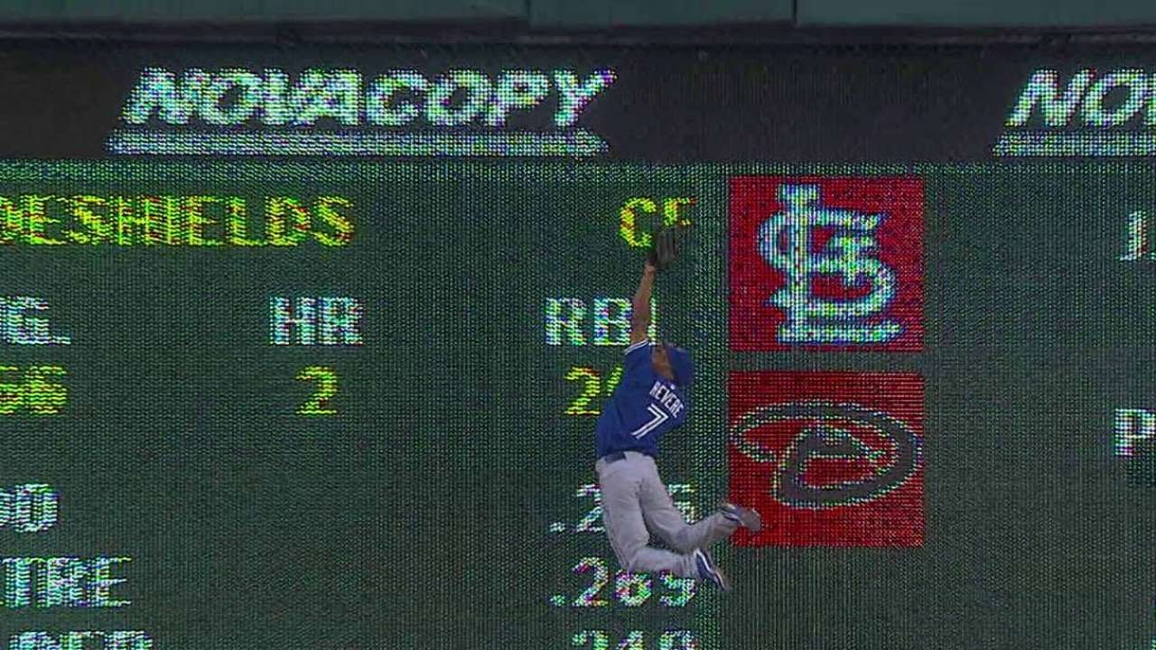 Catch Of The Week: Ben Revere makes leaping grab against the wall