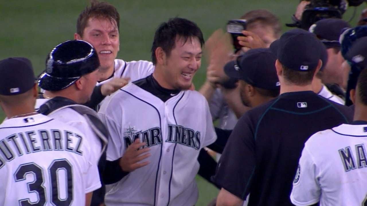 Hisashi Iwakuma gets final out of his no-hitter