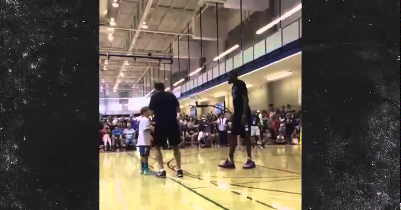 Kevin Durant moon swats little kids shot at basketball camp