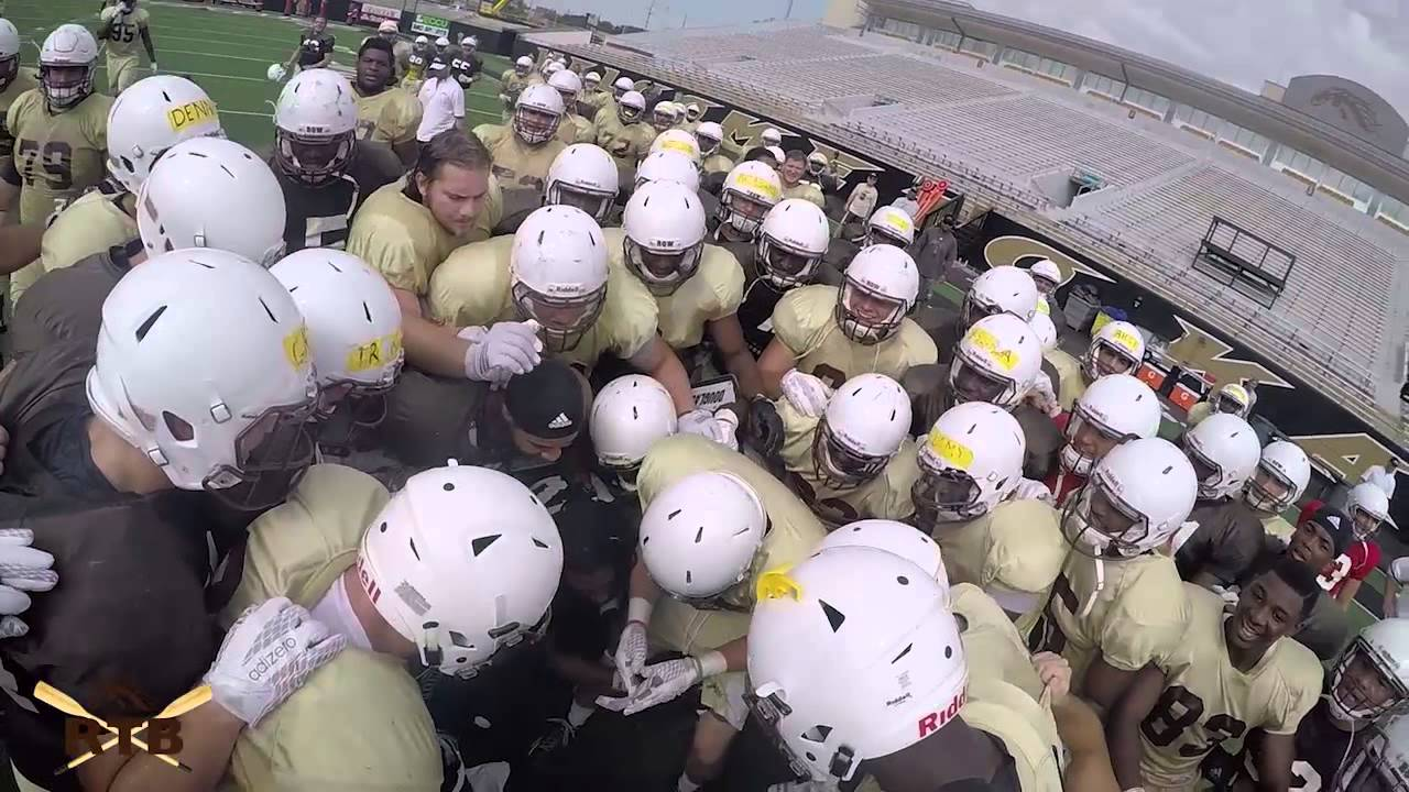 Really Cool: Western Michigan gives college player a scholarship by onside kick