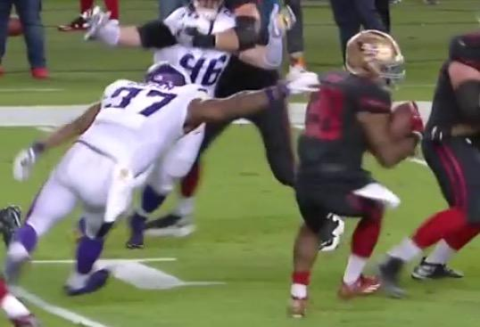 49ers RB Carlos Hyde with a beautiful spin move for touchdown