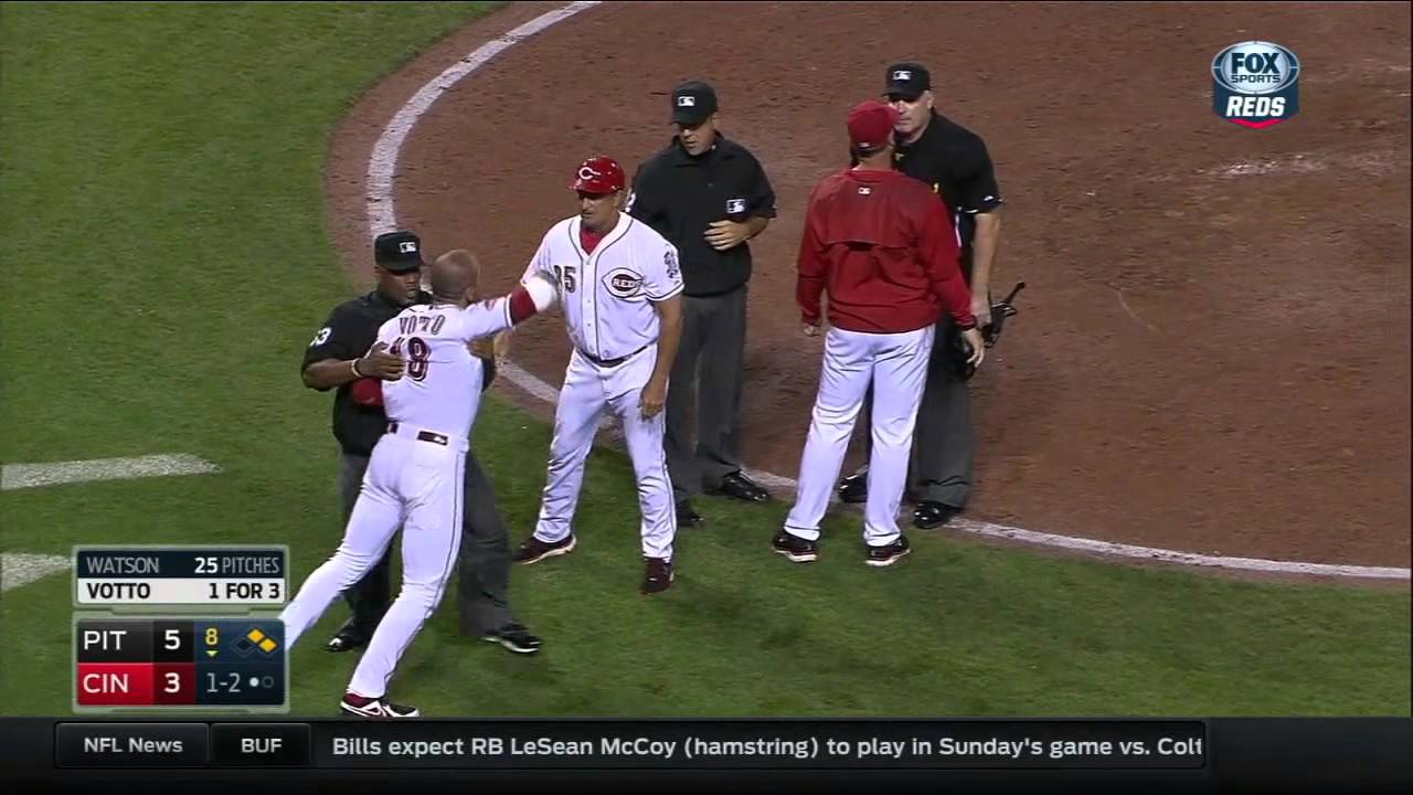 Joey Votto loses his mind after not being awarded time call