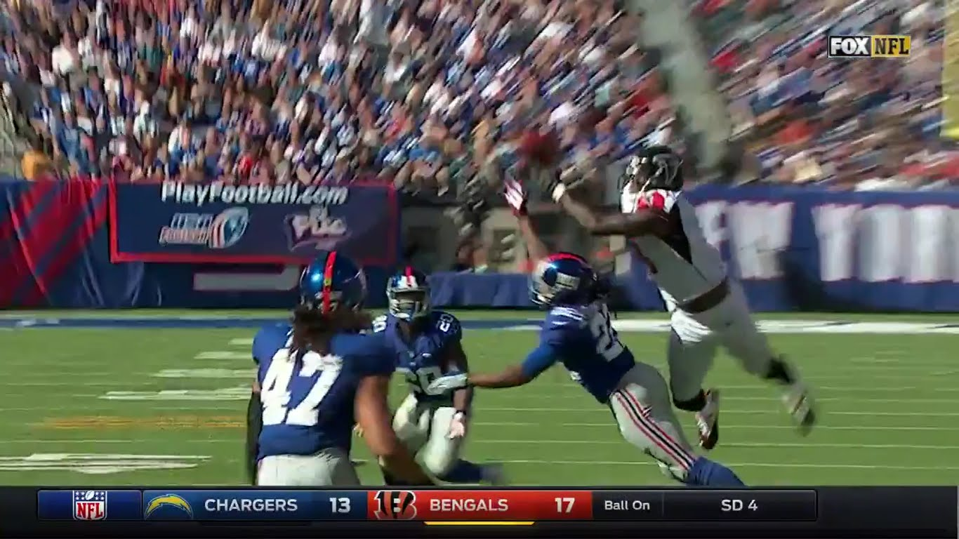 Julio Jones makes a surreal catch over two Giants defenders