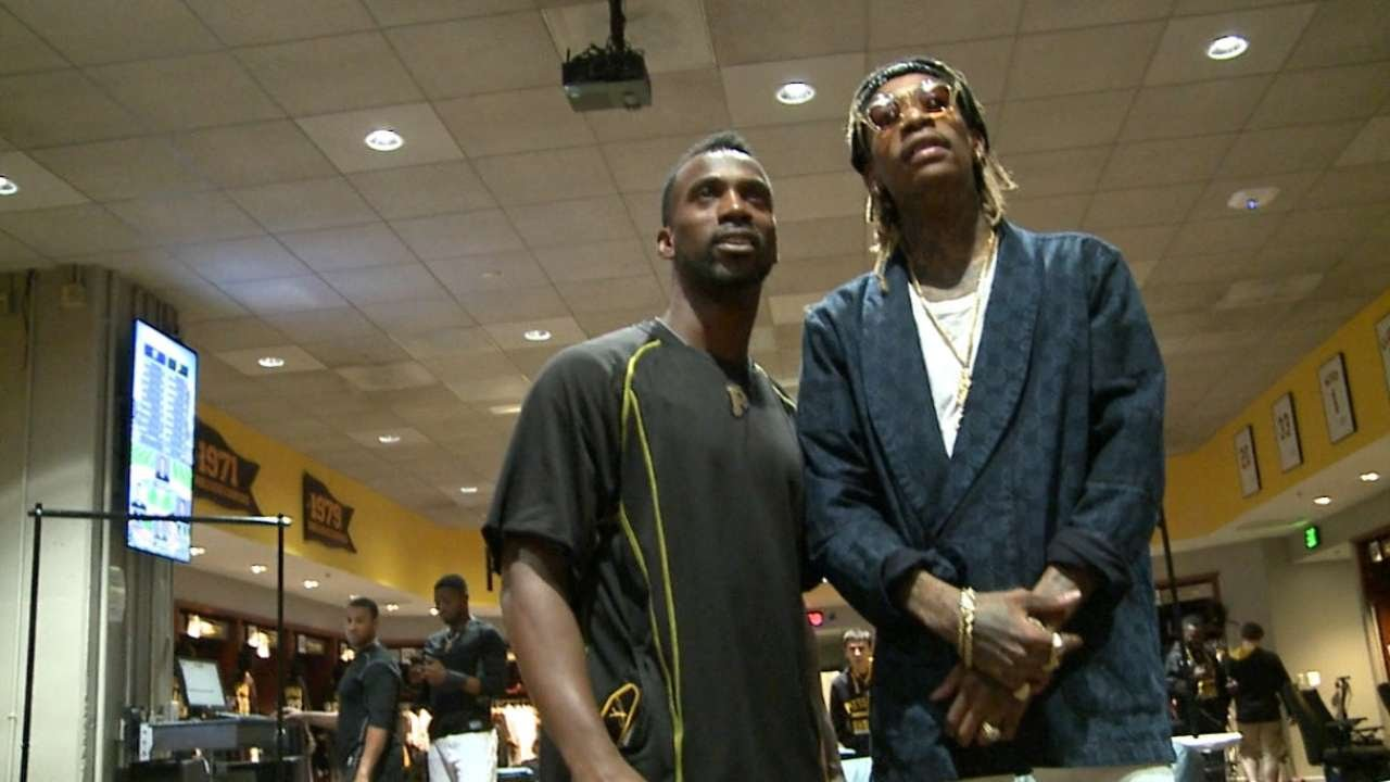 Wiz Khalifa visits the Pittsburgh Pirates' clubhouse