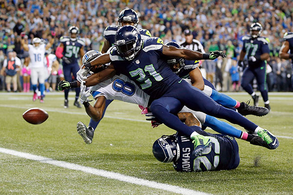 Kam Chancellor saves the Seahawks with an incredible goal line punch
