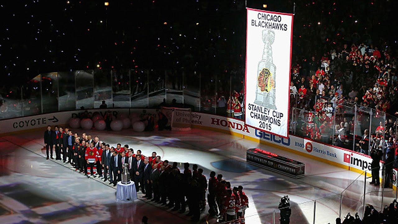Blackhawks raise Stanley Cup banner
