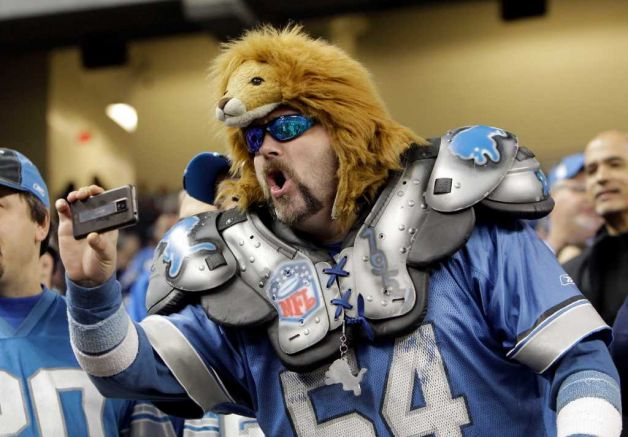 Detroit Lions fan says he was kicked out of game for cheering on defense