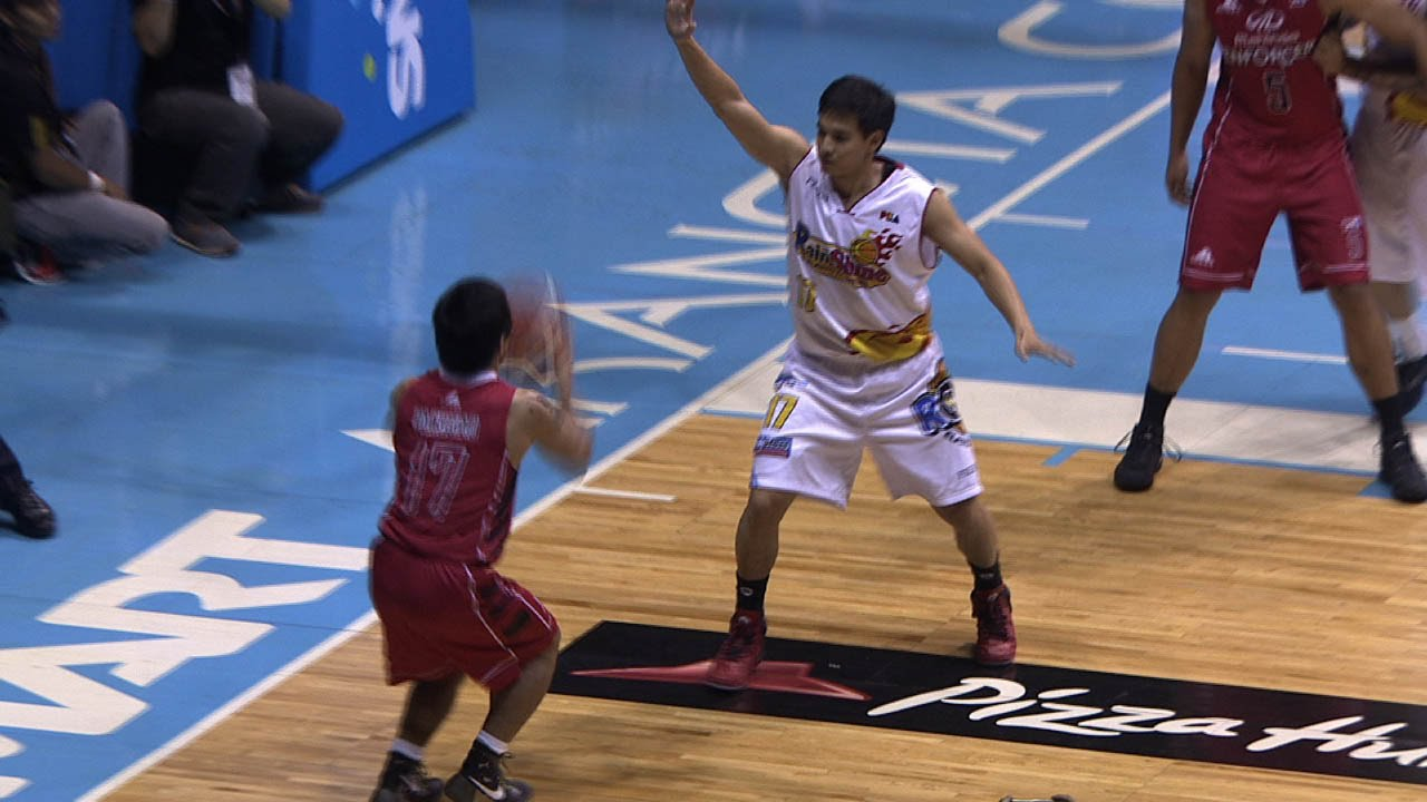 Manny Pacquiao's first bucket as a basketball player
