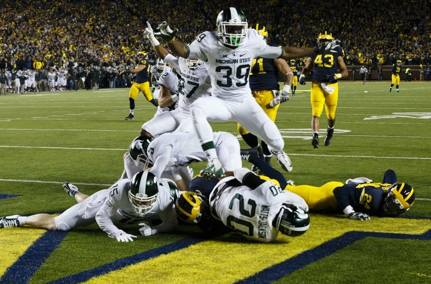 Sideline angle of the final play during Michigan State at Michigan