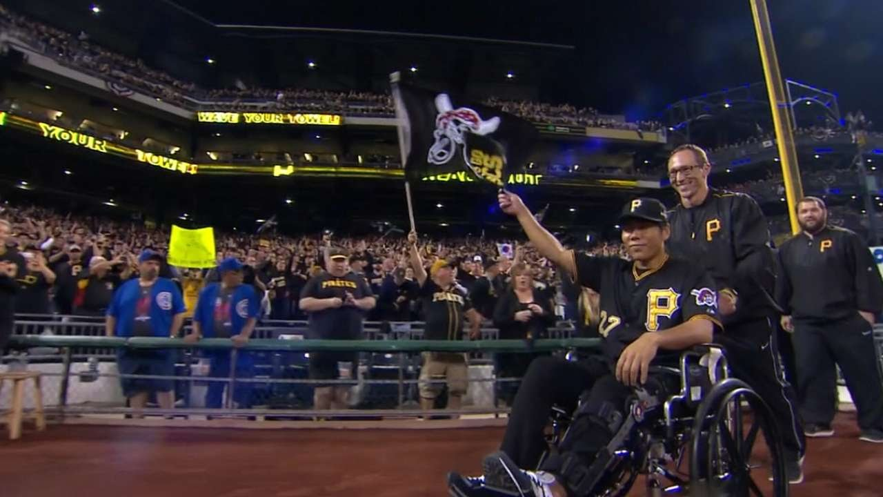 Pirates infielder Jung Ho Kang introduced in a wheelchair