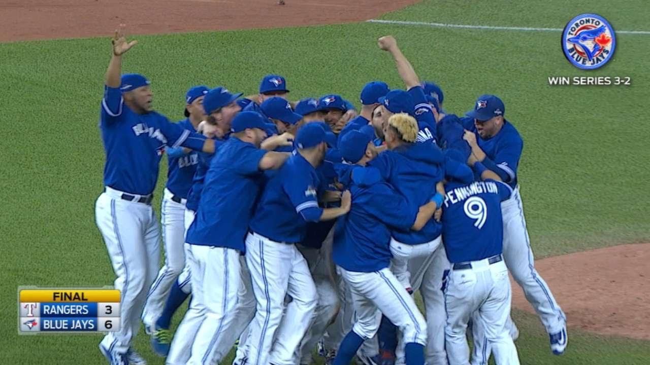 Toronto Blue Jays advance to the ALCS