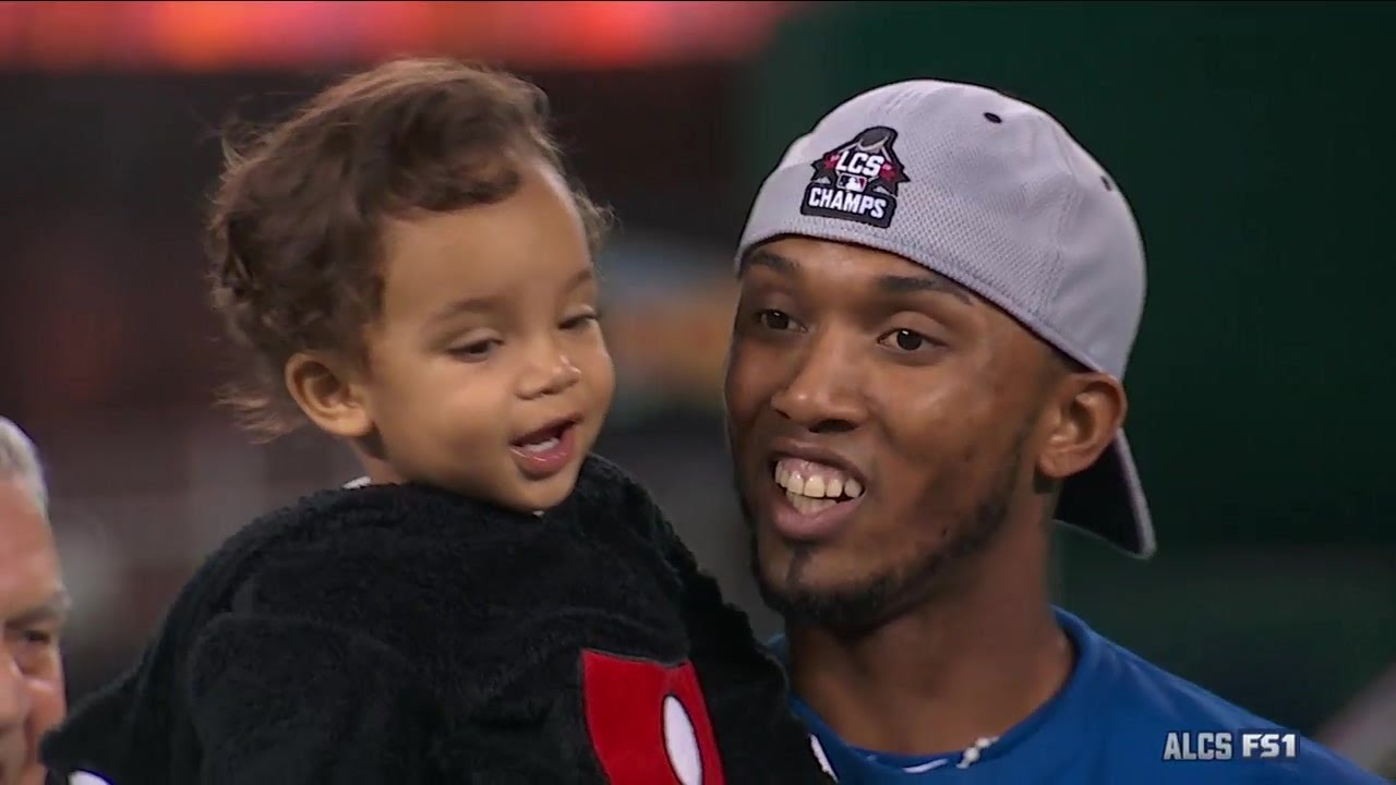 World Series Babies: Royals players clinch with their kids