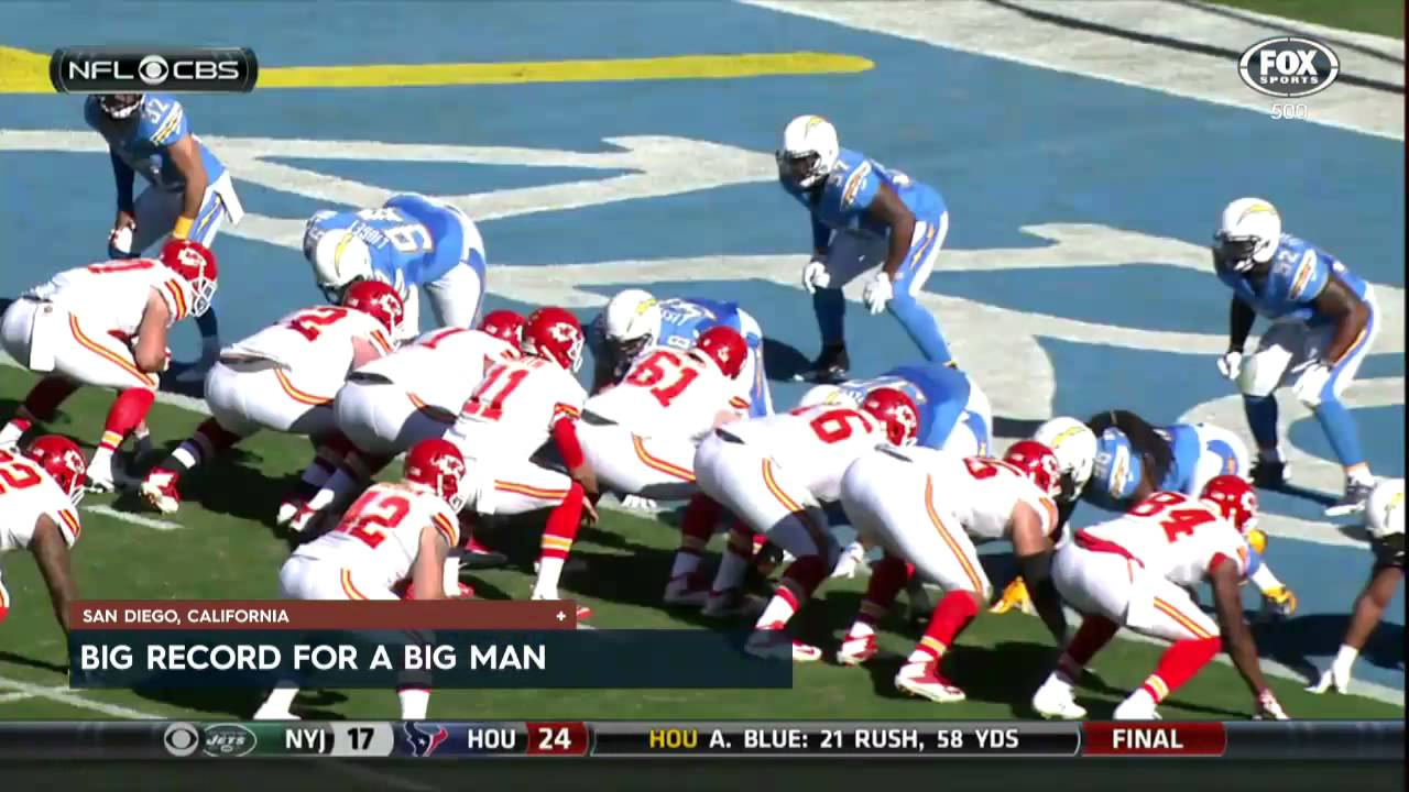 350 LB Dontari Poe scores a touchdown for the Chiefs