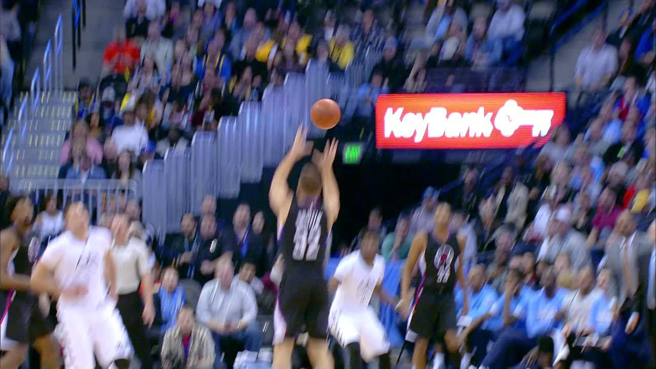 Blake Griffin hits the alley-oop three pointer