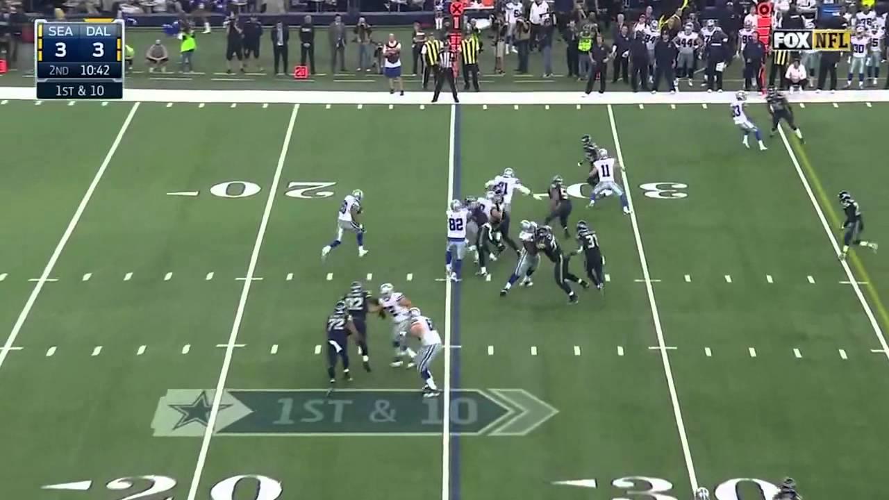 Cowboys OL La'El Collins pancakes two Seahawks on the same play