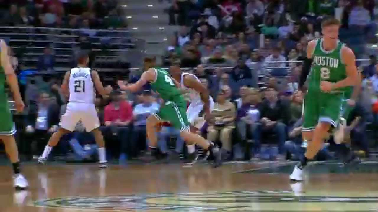 Jabari Parker breaks Kelly Olynyk's ankles