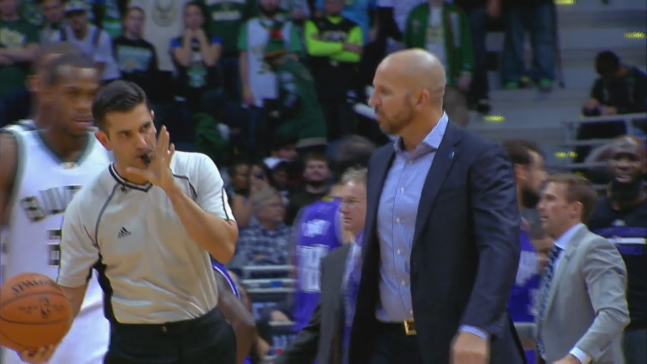 Jason Kidd slaps ball out of refs hand & gets ejected