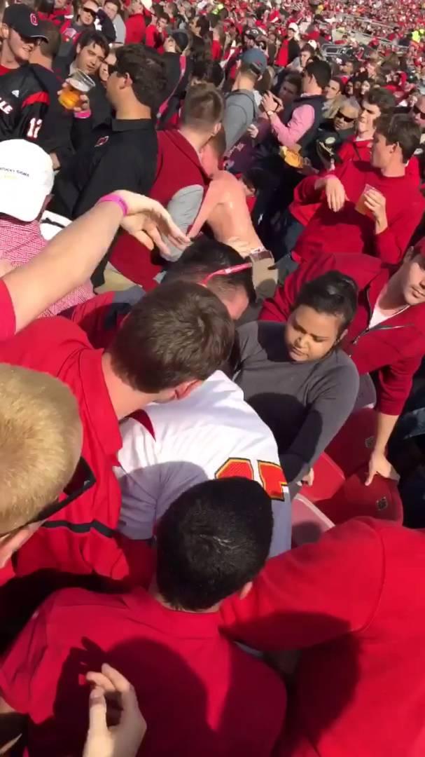Louisville fans get in a brawl during Syracuse vs. Louisville